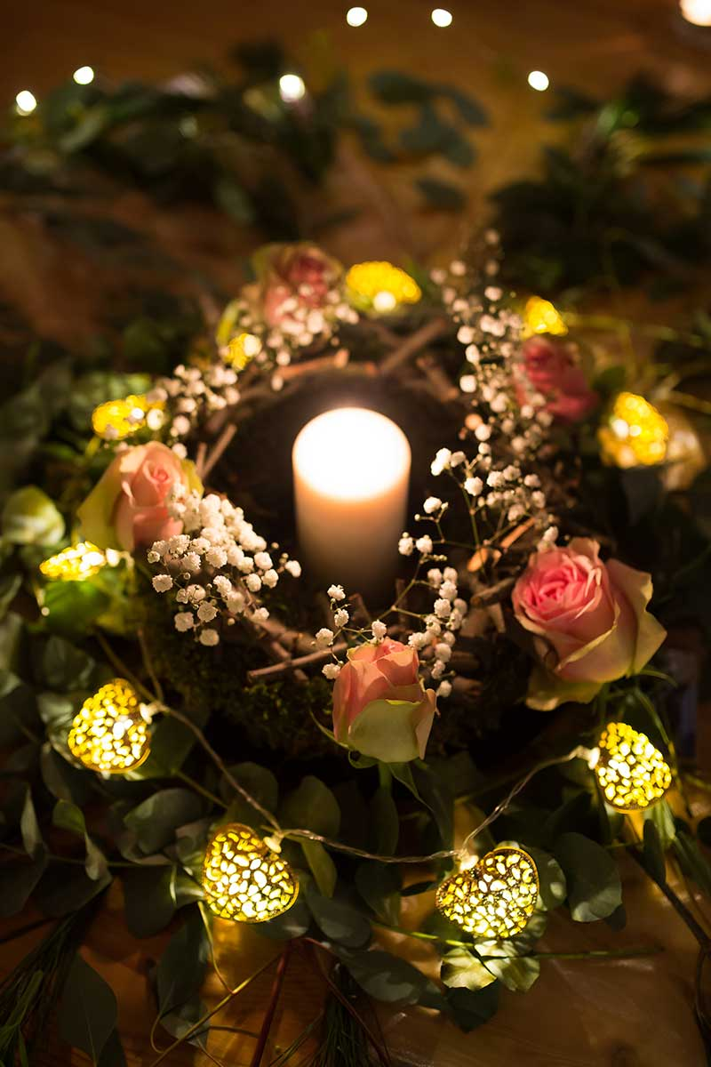 Rosen mit Kerze